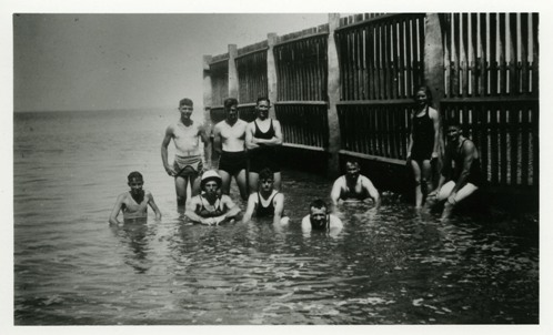 Swimmers at Darwin Baths, ca 1934-1937