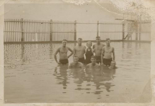 Darwin swimming baths, 1935
