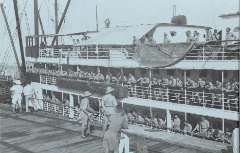 DMF Arriving in Darwin, March 1939 (on wharf)