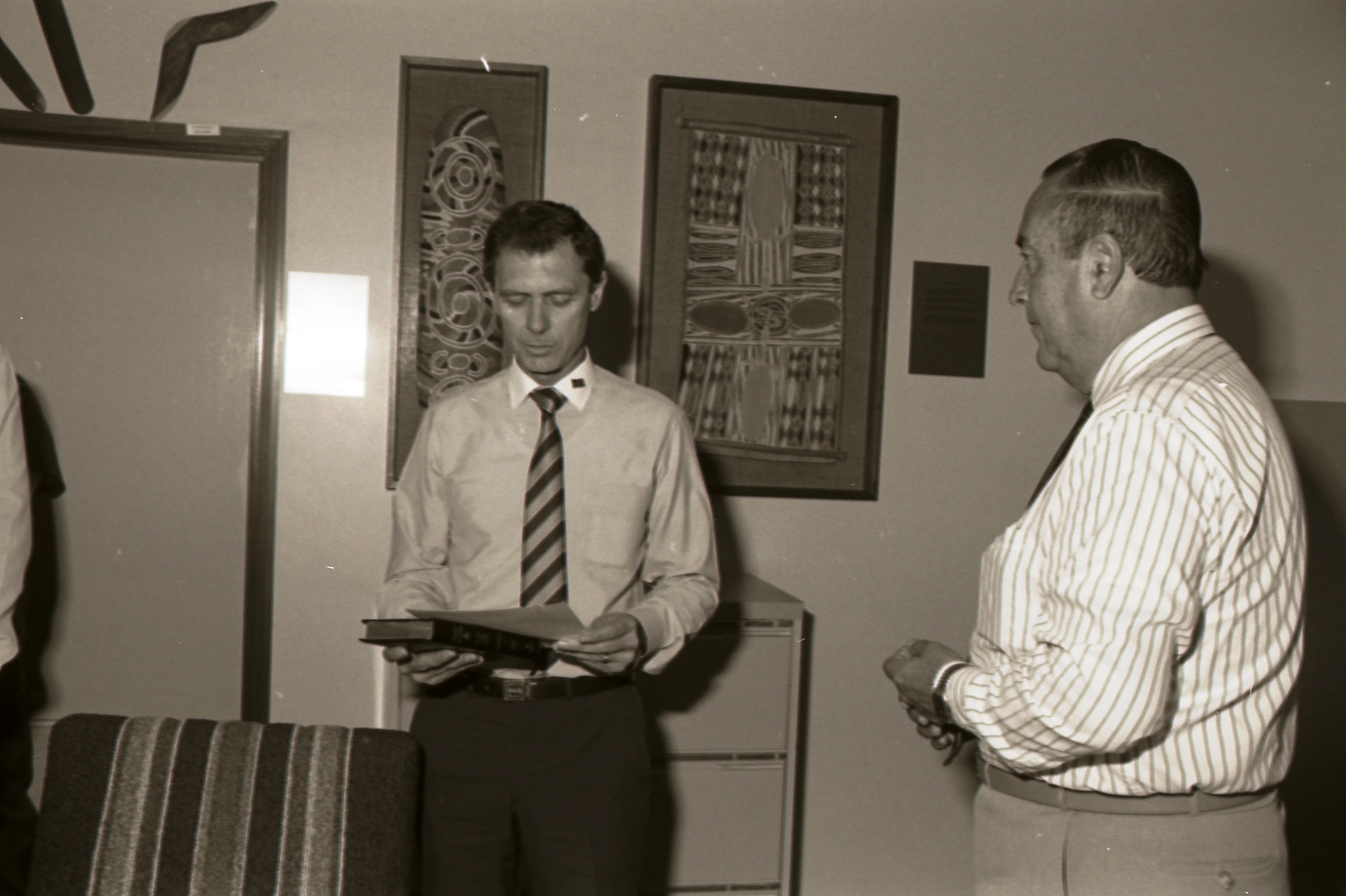 [Swearing in of Chief Minister Perron, 14 July 1988] Image courtesy of Northern Territory Archives Service, Department of the Chief Minister, NTRS 3823 P1, BW 2735, Item 1